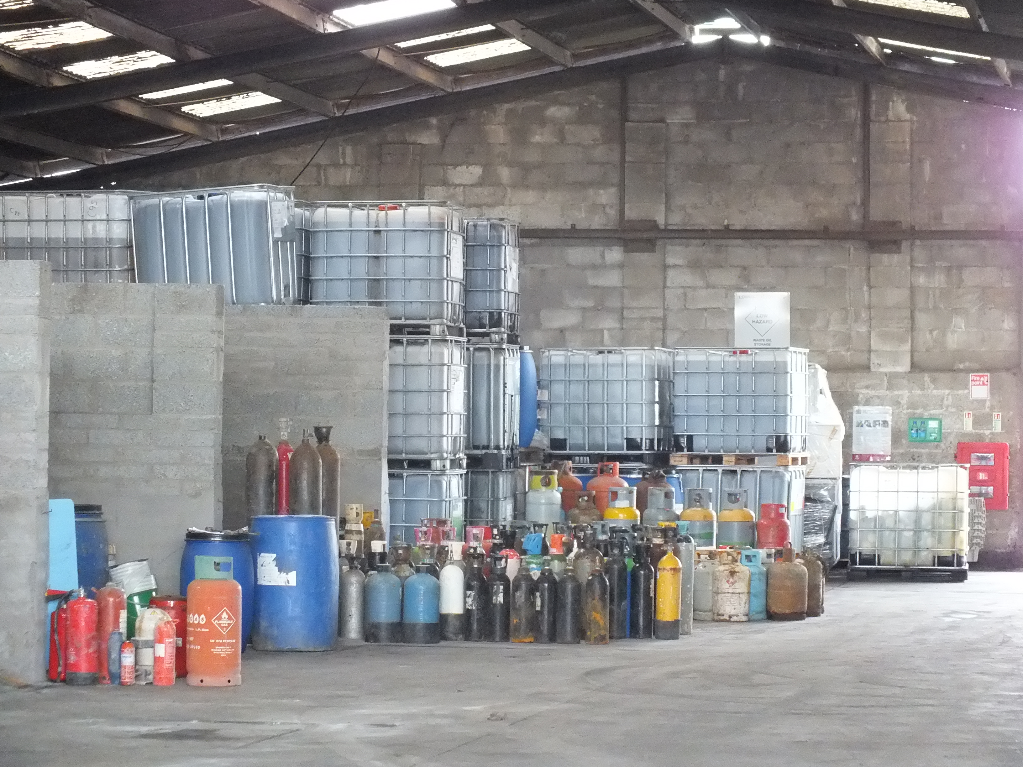 Chemical waste lowmac alloys for Household hazardous waste facility design